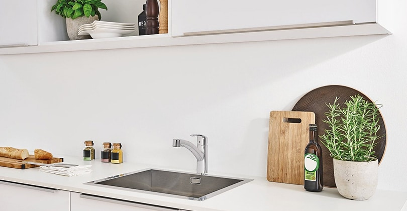 Robinet au design épuré : le Grohe mitigeur évier avec douchette Eurosmart 30305000